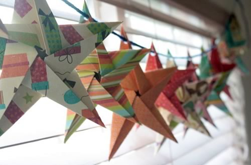 5 pointed origami star garland kerrie 500x330.jpg.pagespeed.ce.0uzruhcmmx