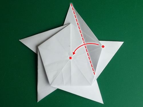 Folding 5 Pointed Origami Star Christmas Ornaments