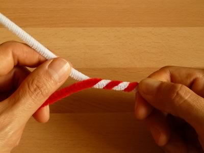 candy cane pipe cleaner ornament step 2
