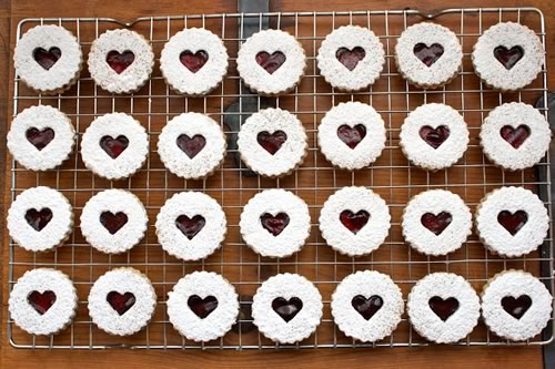creative valentine ideas linzer cookies