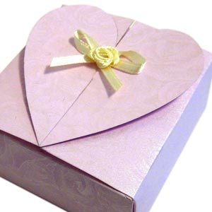 homemade valentine gifts - heart box template