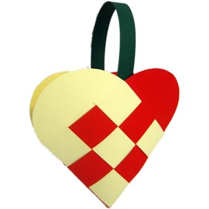 homemade christmas tree decorations heart baskets