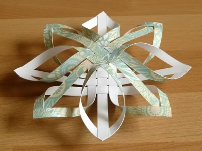 How to make a star christmas tree ornament step by step for Paper christmas decorations to make at home