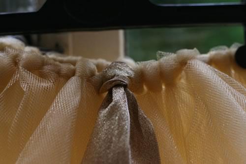 how to make a tutu adding ribbon