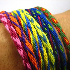homemade valentine gifts - heart friendship bracelet