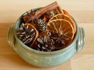 how to make potpourri - finished potpourri in bowl