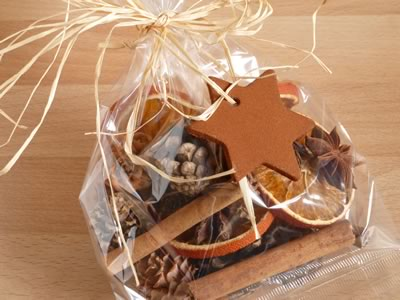 how to make potpourri - wrapping in cello bag