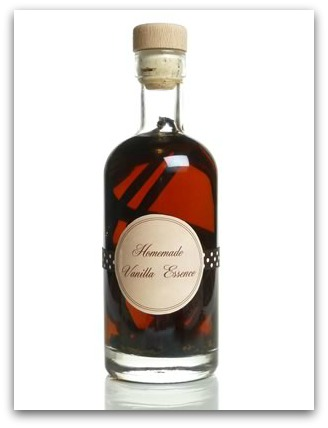 how to make vanilla extract - finished and labelled bottle
