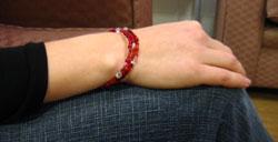 make a bead bracelet finished