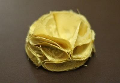make fabric flowers