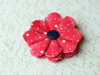 make fabric flowers flat style finished red