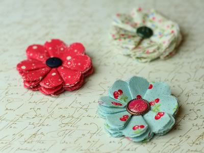 make fabric flowers flat style finished trio