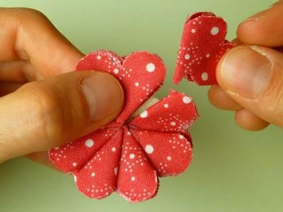 make fabric flowers flat step 6b