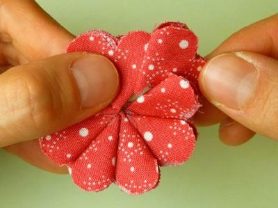 make fabric flowers flat step 6c