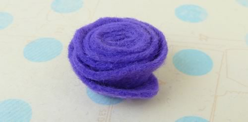 making felt flowers materials