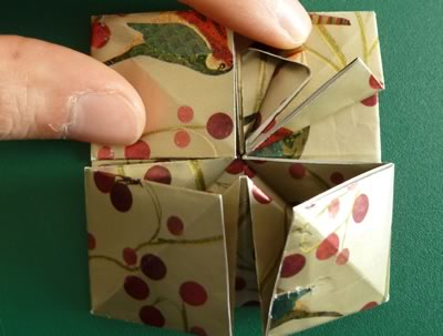 origami christmas ornaments step 10b