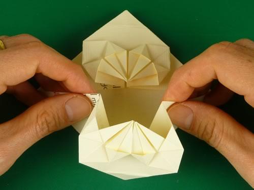 origami heart love note step 13b