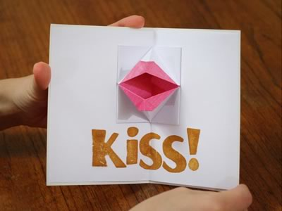 kissing lips origami valentine card medium open