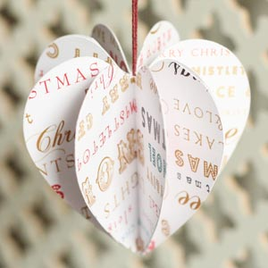 30 beautiful diy homemade christmas ornaments to make for Paper christmas decorations to make at home