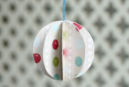 paper christmas ornament round