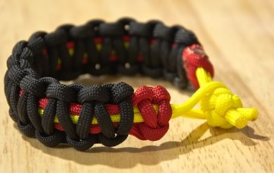 paracord bracelet crimson gold
