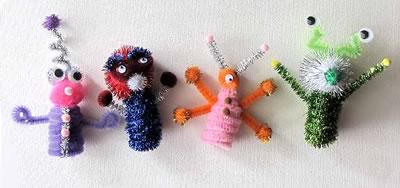 pipe cleaner art - alien finger puppets