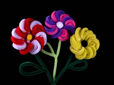 pipe cleaner art - spiral flowers