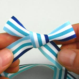 ribbon bow tying