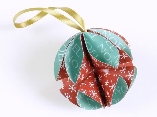 simple homemade christmas ornaments made with printable scrapbooking paper