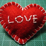 homemade valentine gifts - valentine craft projects felt heart brooch