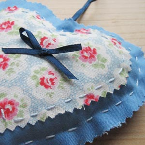 gifts to sew lavender heart