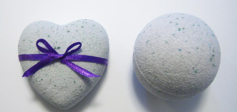 How to make bath bombs recipes and instructions for homemade bath how to make bath bombs tissue wrapped solutioingenieria Images