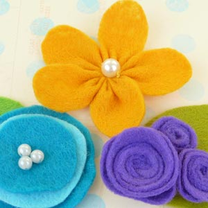 making felt flowers
