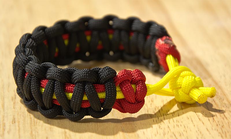 paracord bracelet crimson gold