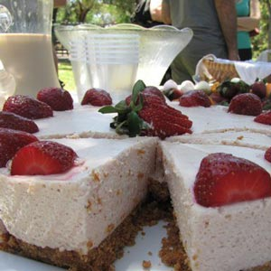 homemade food gifts strawberry cheesecake