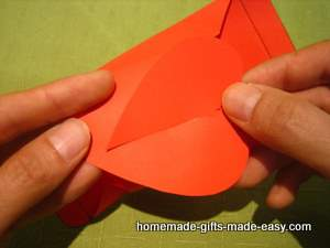 free heart gift box template assembly step 3