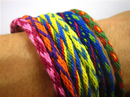 how to make friendship bracelets wrist pic
