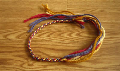 make a friendship bracelet step 5