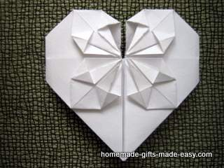 how to make a paper heart with money