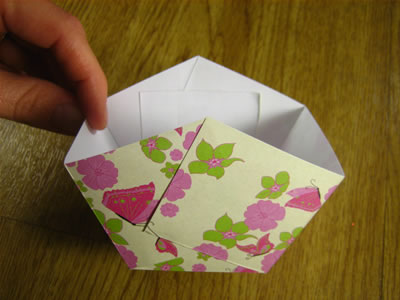 Paper Easter Basket Step 3