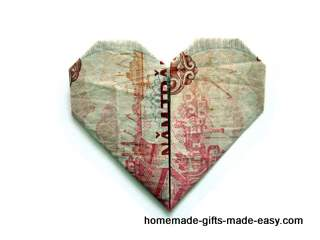 Decorative Money Origami Heart: Video Tutorial and Picture ... | 240x320