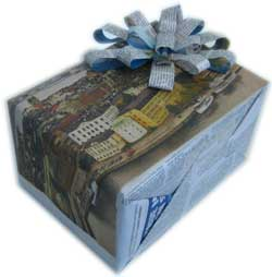 unique gift wrapping ideas newspaper